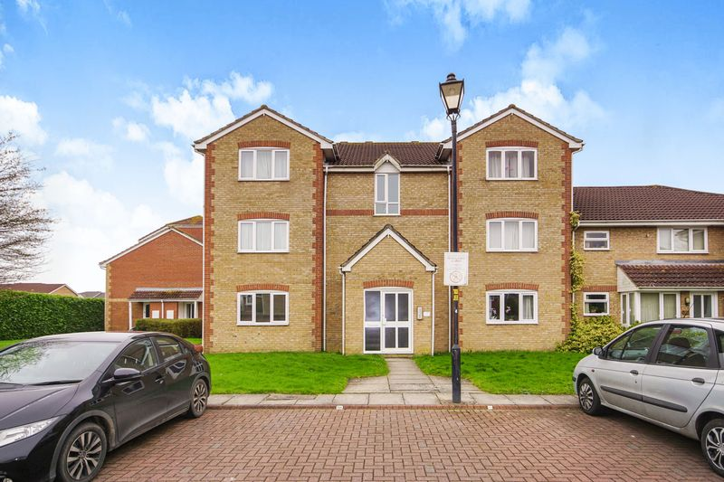2 Bedrooms Flat for sale in Great Meadow Road, Bristol, South Gloucestershire, BS32